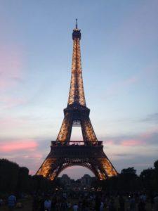 フランス、パリ、治安、スリ、対策、バック、かばん、おすすめ、注意