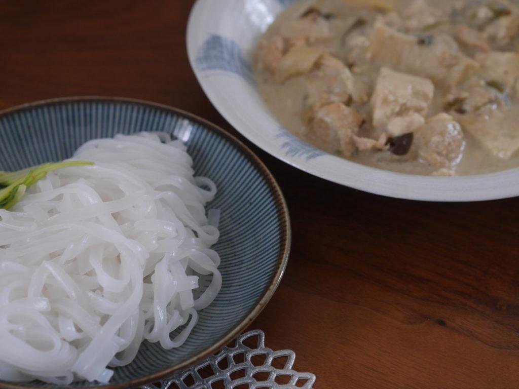 ココナッツミルクの代用でつくったグリーンカレー